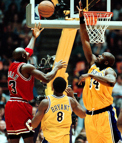 Shot Of The Day: Michael Jordan vs Kobe & Shaq ? Just WOW. & It seems like from this shot that Shaq most likely had the Royal Airness. But Jordan being Jordan, you never know lol. Wonder how this one ended….