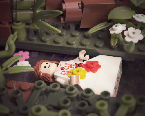 rustypipes-and-tigerstripes:  Lego version of Ophelia from Shakespeare's Hamlet, by photographer Balakov. :)