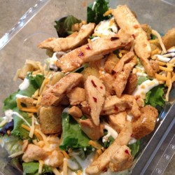 Today's #lunch chef'ed up some #chicken and #salad #tasty