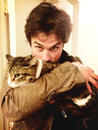 vampire-del:  Twitter of Desiree Siahaan : Napolion wishes his Godfather Ian, safe travels! @themunchkincat @iansomerhalder