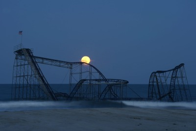 commovente:  Michael Reynolds, Casino Pier after Hurricane Sandy, Seaside Heights, N.J.