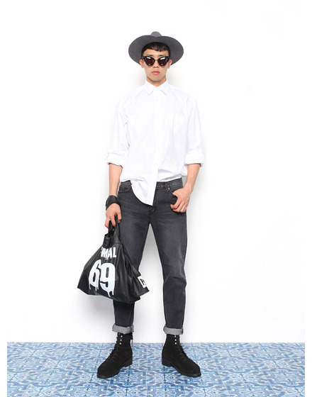 Min Joon Kiwears Push Button autumn/winter 2014/15