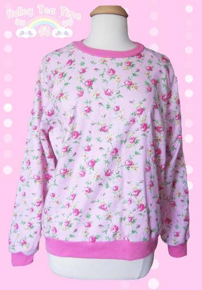 ★ New ★ Floral Rose and Flowers Sweater $55