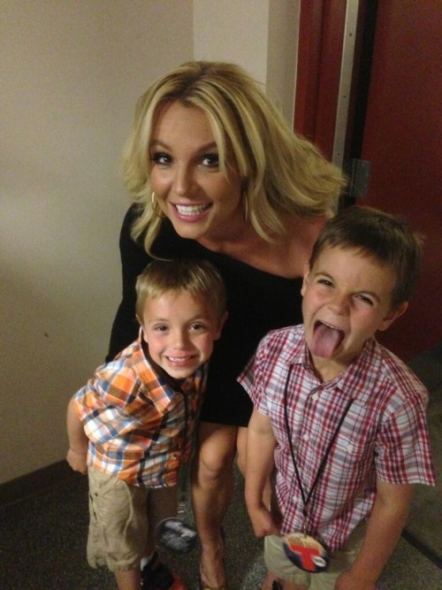 "From Britney's twitter:  ""I've got the two cutest boys in the world! Hope y'all are having as nice of a #morhersday as I am!"""