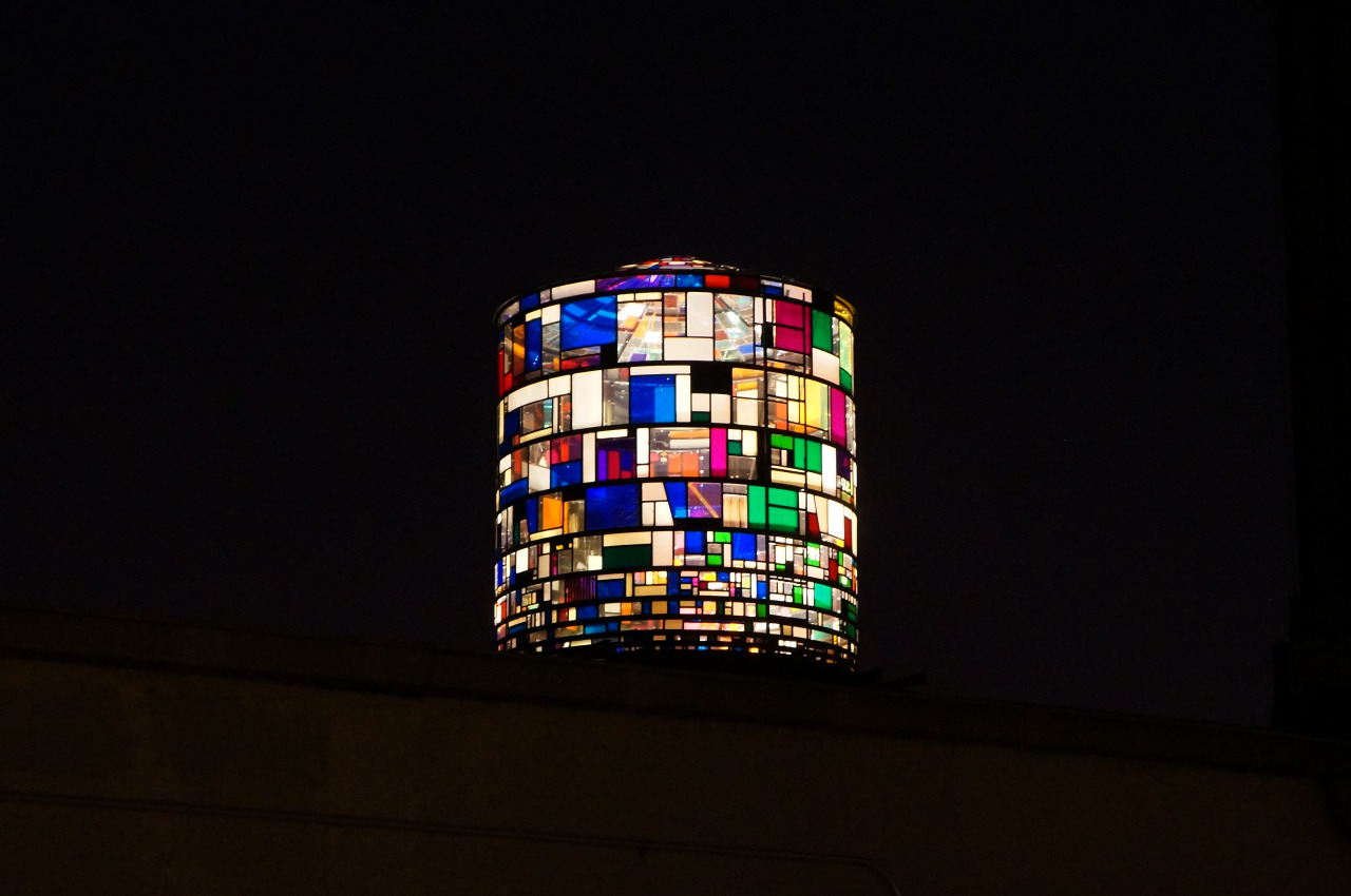 Tom Fruin's Watertower May 5, 2013 [photo by Molto Vomito]