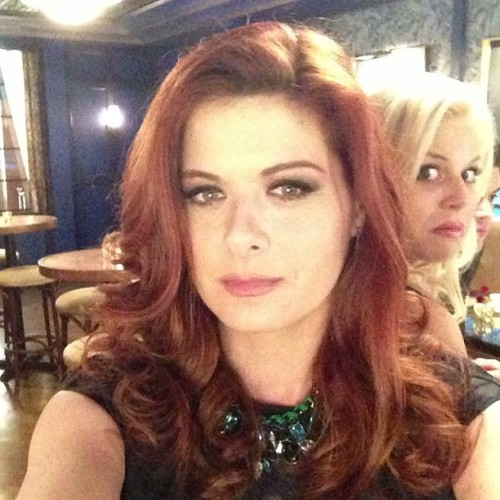 therealdebramessing the BEST PHOTOBOMB of the day at. #smash!!