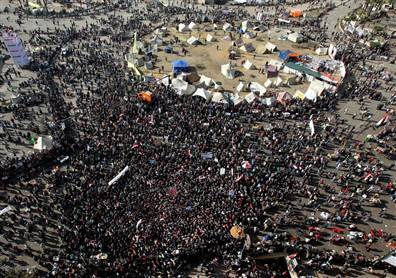 Violence, protesters return to Tahrir Square as Egypt marks revolution (Photo: Andre Pain / EPA) Hundreds of youths clashed with Egyptian police in Cairo, Egypt, on Friday in a violent start to the second anniversary of the uprising that toppled Hosni Mubarak. Read the complete story.