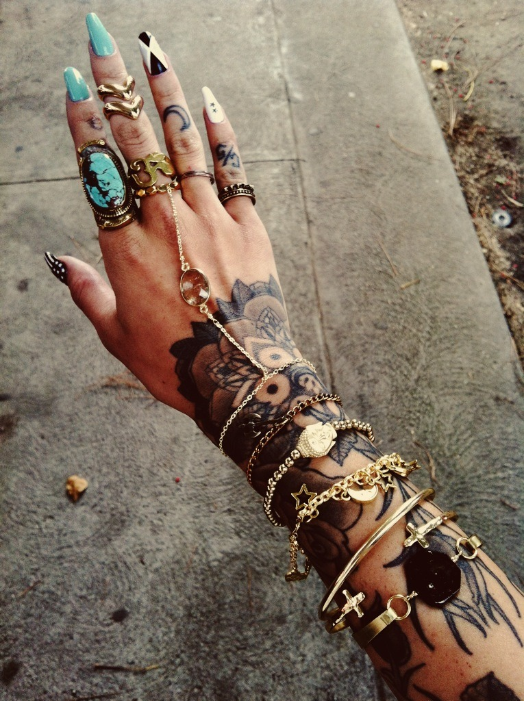 gypsyone:  the girl with the tattooed hands  her hand tho :)