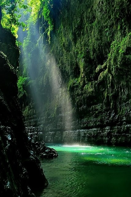 Green Canyon, West Java, Indonesia photo via jhbarry