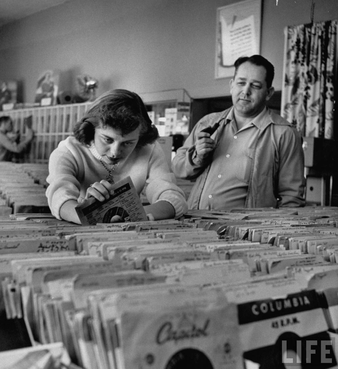 locpix:  Digging for records, 1953