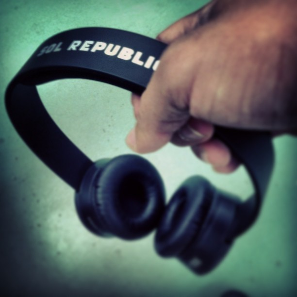 #sol #republic #solrepublic #teamfollow #teamfollowme #teamfollowback #follow #me #followme #followback #sanjuan #puertorico #sound #music #on #work ando entregao a la musica