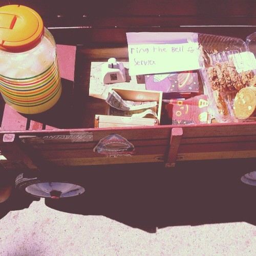 neighborhood yard sale + lemonade stands - some of the reasons why i adore where we live.