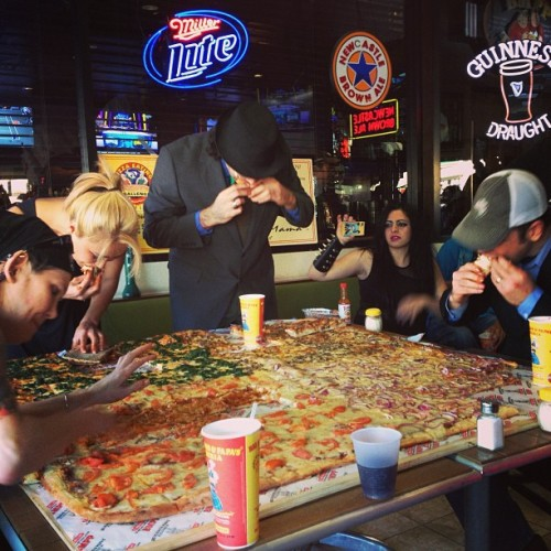 "54"" x 54"" pizza. Four eaters. Don't try this at home. (at Big Mama's And Papa's Pizzeria)"