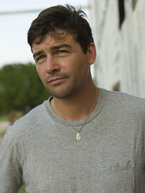 I get the feeling LA casting directors may love Kyle Chandler almost as much as I do.