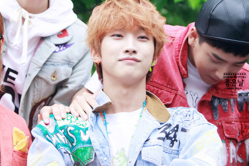 flyb1a4:  [130509] B1A4 @ Mnet Mcountdown Fanmeeting - Jinyoung [1] Credits : beautifulday.kr Re-up : Aorishina @ FLYB1A4 PLEASE TAKE OUT WITH FULL CREDITS TO SOURCE AND REUPLOADER !