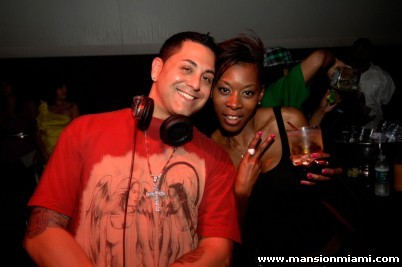ON-THE-GO: #tbt Me and the homie DJ Skribble at Mansion on South Beach! Lil Jon pouring up shots in the back! Good times with good people .. I'm missing my sun-kissed tan and my short hair!! Miami soon come .. and may be chopping off this hair soon too! Man, my skin was glowing! xo #rozOonTheGo Shot by Seth Dixon 6.17.2010