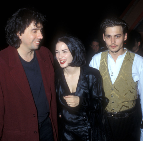 suicideblonde:  Tim Burton, Winona Ryder and Johnny Depp at the Edward Scissorhands premiere,  December 6, 1990