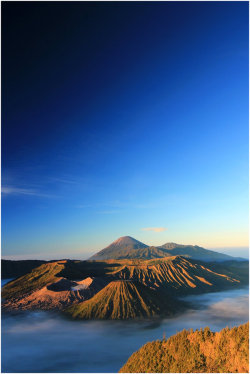 0mnis-e:  Mt, Bromo By 200789