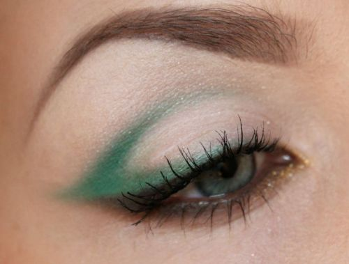 Green cat eye