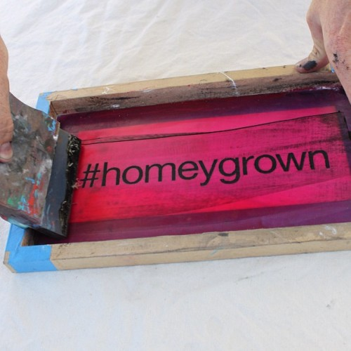 artiffact:  @homeygrown will be doing live silkscreening tomorrow at @makerfaire! Find us in the Swap-o-Rama-Rama tent and we'll slap a fresh print on your old stuff. New designs debuting tomorrow! #homeygrown #makerfaire  maker faire time !