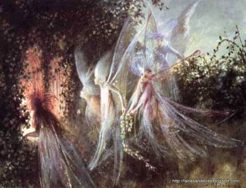 sapphyrwitch:  by luna-oak Sylphs The elemental winged Air spirits, who live hundreds of years and can, it is said, attain an immortal soul through good deeds.