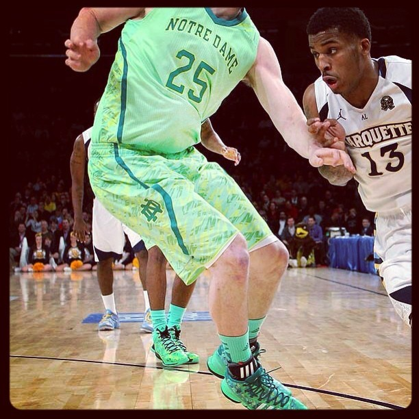 Whoever approved these Notre Dame uniforms should be tarred and feathered.