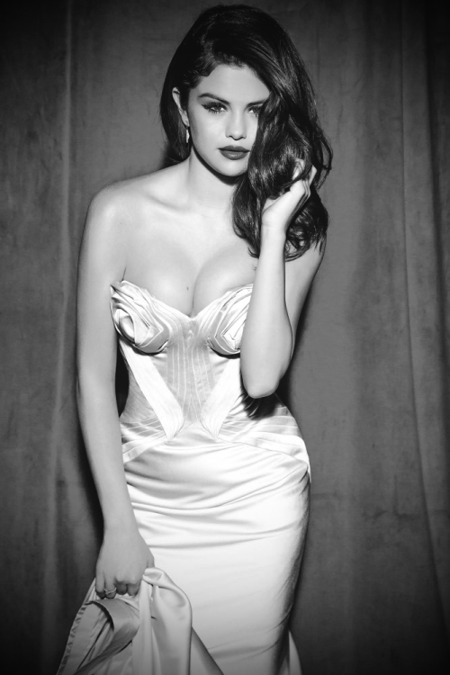 Selena Gomez by Ellen von Unwerth for Glamour 2012. You will also like: Selena Gomez, divided.