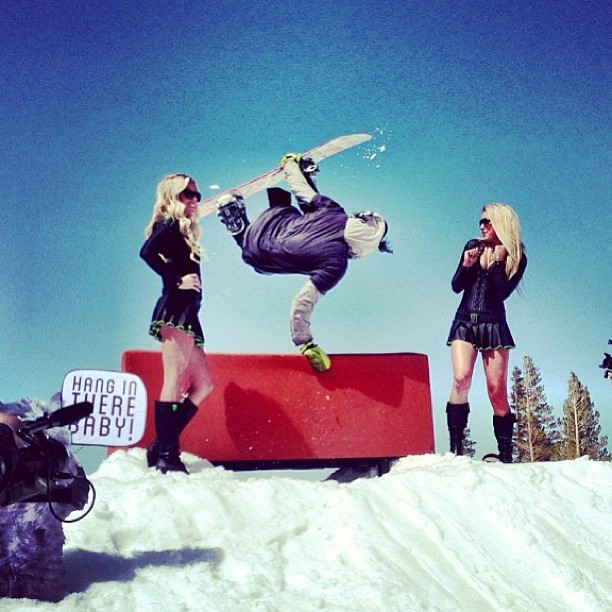 Sick photo taken yesterday at #grenadegames at Mammoth Mountain. @monsterenergy #monsterenrgygirls #handplantcompetition #snowboarding