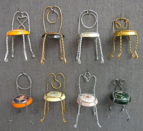 Champagne chairs. Make It!!! Don't forget to save wire cages! Great for a doll house, a book shelf as a reminder of a great event or even as Christmas tree ornaments, the variety you can come up with is only limited by your imagination. (http://thecraftsdept.marthastewart.com/2011/11/champagne-chairs.html)