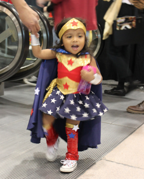 girlslovesuperheroes:  I recently been told my daughter's pics have been all over tumblr.This is her Wonder Woman coustume from this past NYCC