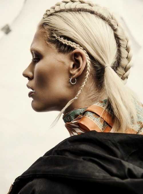Future of braids. Image: Oyster via Studded Hearts (more there)