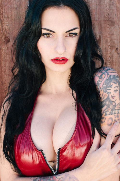 ohmygodbeautifulbitches:  Olivia Dantes  a woman with fire