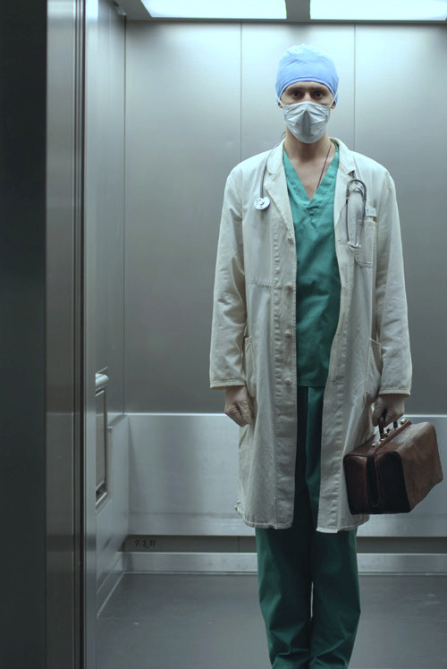 thorkitastic:  full-length-hiddles:  DOCTOR HIDDLESTON, I PRESUME. (those cheekbones tho)  OMG! I'm scared, you guys!