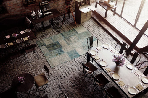 grayskymorning:  The Bistrot