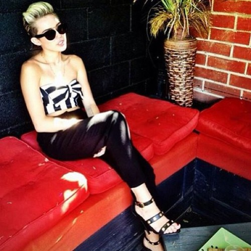 lollovatic:  #miley #mileycyrus I loved this outfit