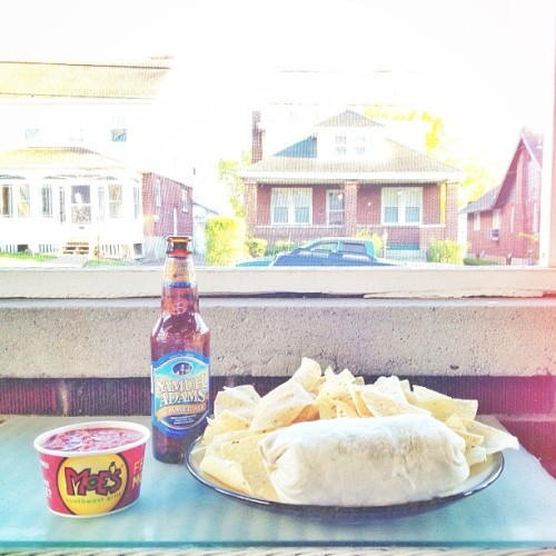 A little @Moes_HQ, @SamAdamsBeer, and a side of spring. #lifeisgood #thisisreallygood #fmsphotoaday