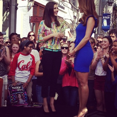 Extra at The grove! @victoriajustice wearing Prabal Gurung for Target! @targetdoesitagain