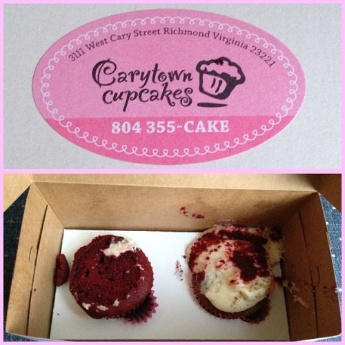 Yayyyyy thanks for the treats @connieswang #smushed #cupcakes ❤😗