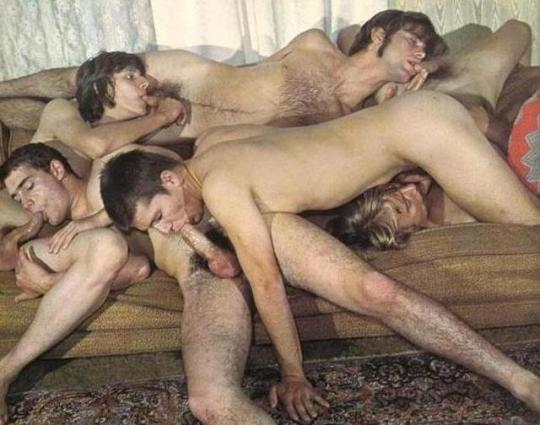 Oral Chain Gay Sex Position Photo