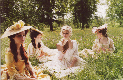 the-garden-of-delights:  Rose Byrne, Mary Nighy, Kirsten Dunst and Io Bottoms in Marie Antoinette (2006).