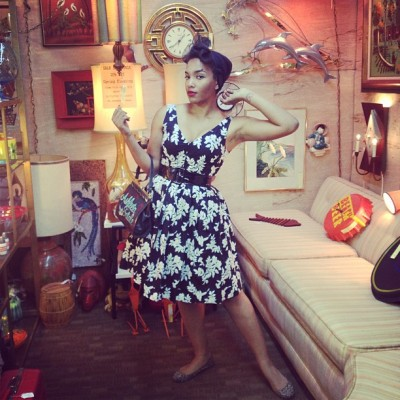 ashleeta:  Antiquing and trying out the #TeaCupPose lol !! #pinup #blackpinup #ashleeta #vintage #betseyjohnson #longbeach (at Long Beach Antique Mall II)