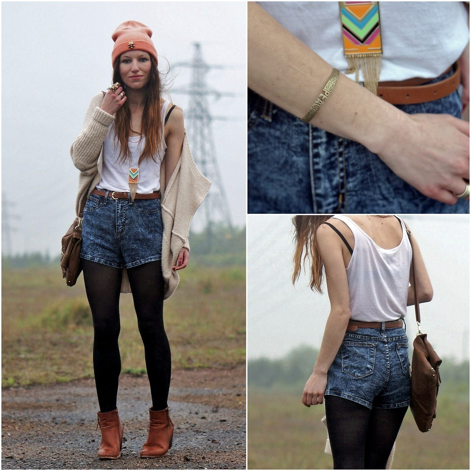 lookbookdotnu:  Peace Out (by Agata P)