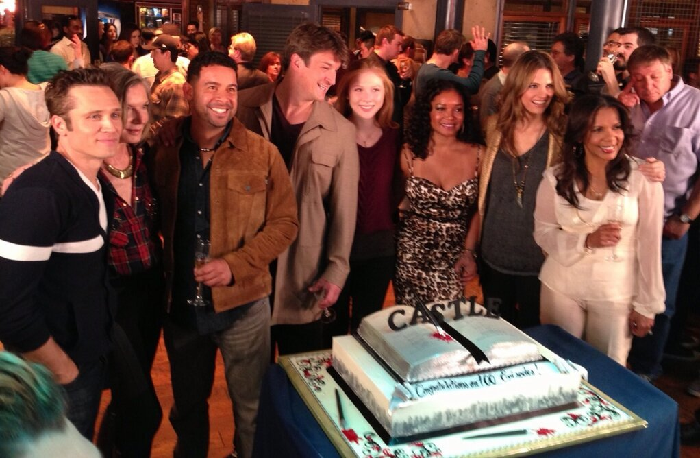 sunny-with-a-chance-of-castle:  I can't even… best looking cast there is!