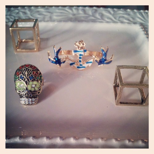Summer rings have arrived! Sailor double ring, sugar skull adjustable, bronze cube and gold cube rings $16. each #newarrivals #shopnewarrivals #jewelry #rings #skull #sugar #sailor  #birds #cubes #shopmycloset #ounascloset #summer #basics
