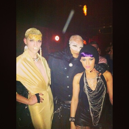 @milton_cruz & I making some new friends @ #marquee #nightclub #catwalk #igdaily #instagood #instamood #instadaily #photooftheday #party #costumes #purplehair  (at Marquee)