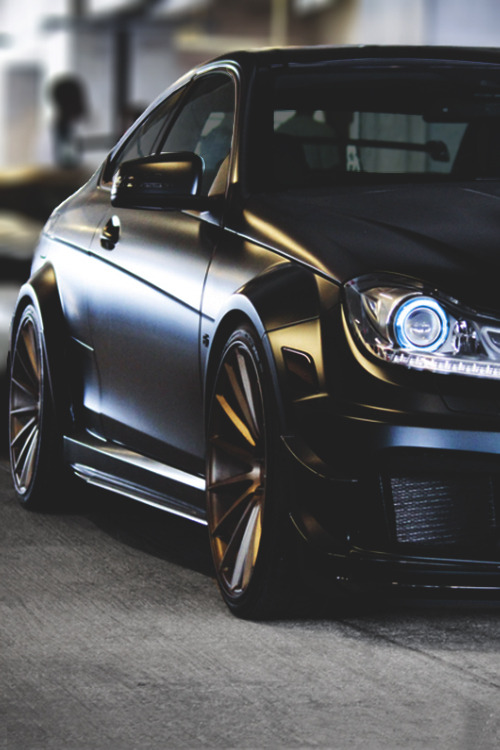 johnny-escobar:  Matte Black C63 AMG Benz