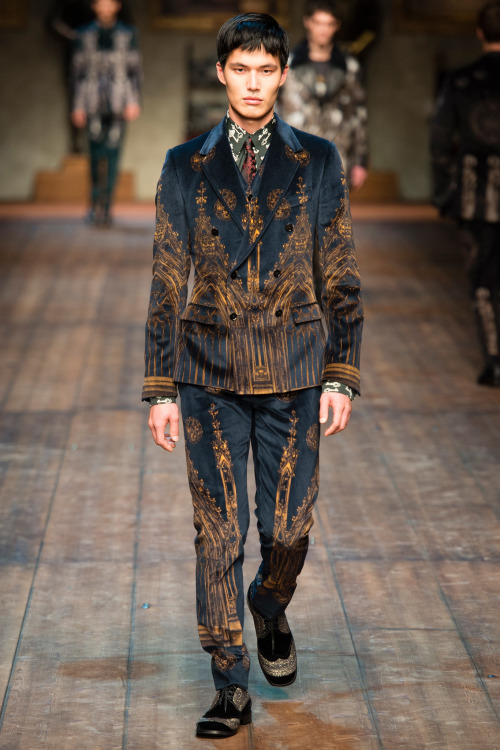 Dae Na walks for Dolce &amp Gabbana autumn/winter 2014at Milan Fashion Week