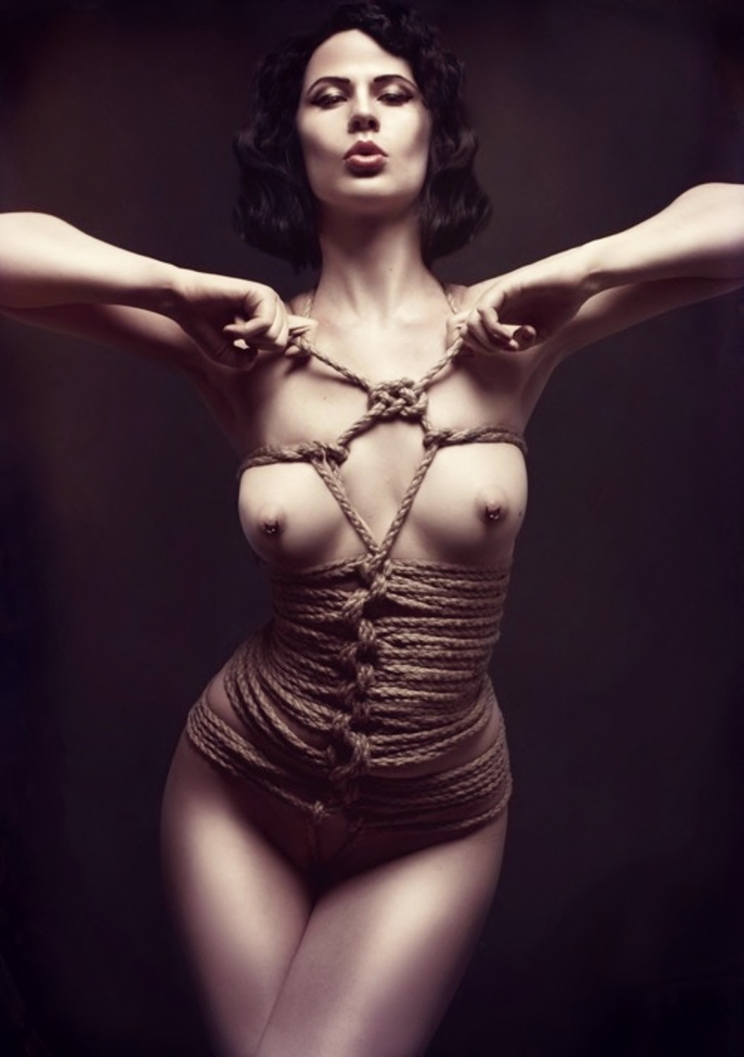eroticwitch:  PRETTY IN SHIBARI.
