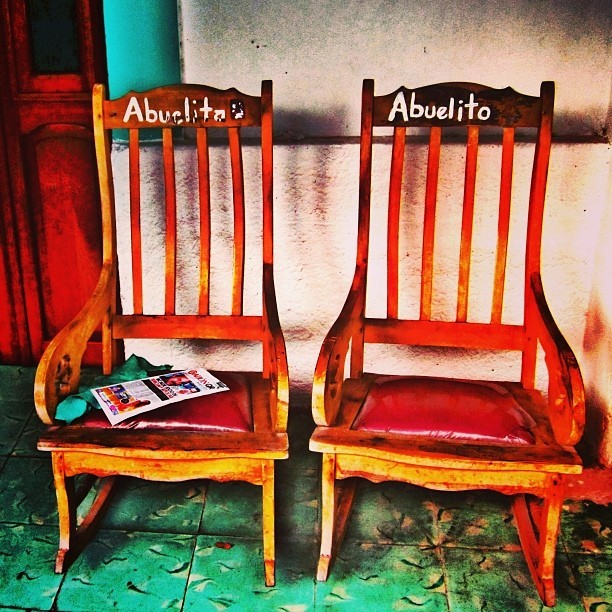 Abuelita/Abuelito #picoftheday #instagood #follow #mexico #islamujeres  (at 1101 Brown Street)