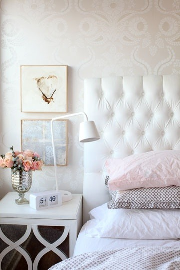girlyme:  (via Home sweet Home / lovely headboard)